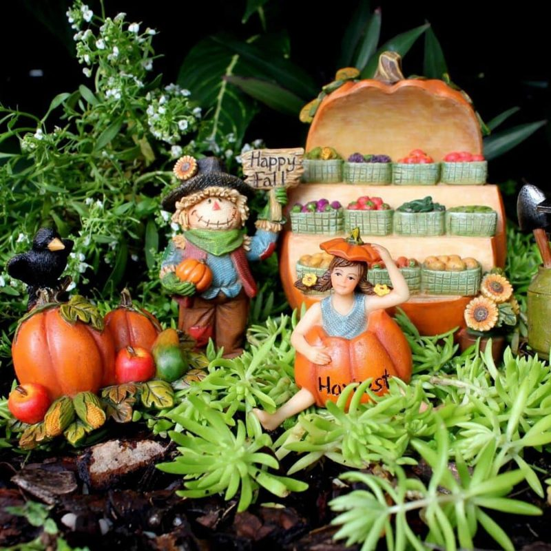 Fairy Garden Fruit Stall with Scarecrow & Accessories 1